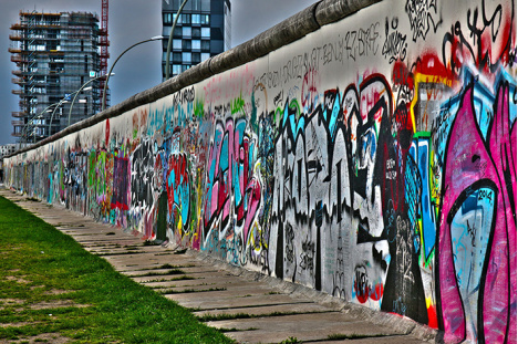 berlin-wall <div class='url' style='display:none;'>/kg/meikirch/</div><div class='dom' style='display:none;'>kirchenregion-aarberg.ch/</div><div class='aid' style='display:none;'>382</div><div class='bid' style='display:none;'>11013</div><div class='usr' style='display:none;'>103</div>
